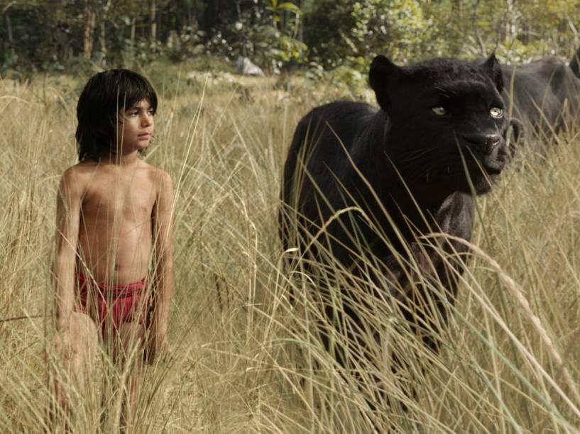 Mogli (Neel Sethi) e a pantera Bagheera, dublada por Bem Kingsley, no trailer de 'Mogli – O Menino Lobo'