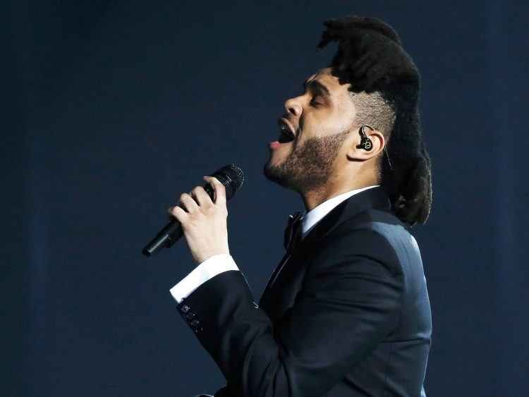 The Weeknd durante a 58ª edição do Grammy, premiação que elege os melhores da música internacional, que acontece nesta segunda-feira (15)