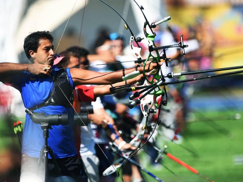 O arqueiro Daniel Rezende Xavier, durante a disputas do tiro com arco nos Jogos Pan-Americanos de Toronto, Canadá
