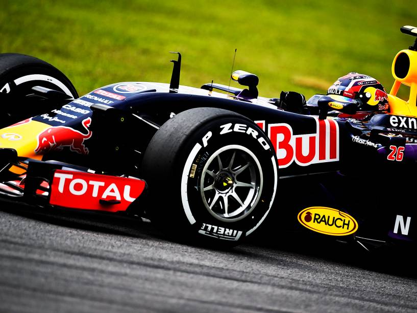 Daniil Kvyat durante os treinos livres para o GP do Brasil de F-1, no circuito de Interlagos