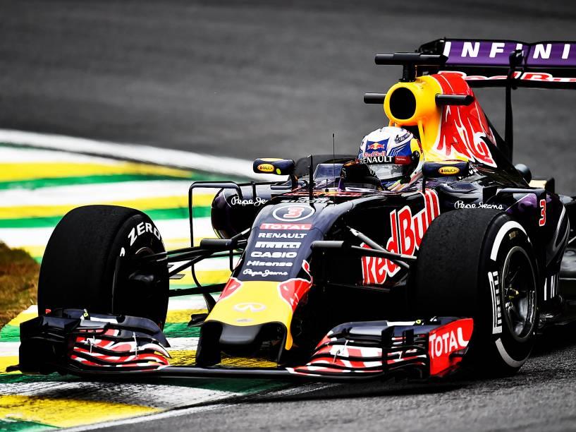 Daniel Ricciardo, durante treino do Grande Prêmio do Brasil de Fórmula 1, nesta sexta-feira (13), no autódromo de Interlagos