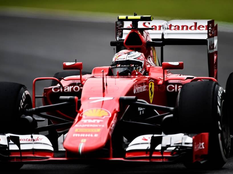 Kimi Raikkonen da McLaren, durante os treinos livres para o GP do Brasil de F-1 em Interlagos