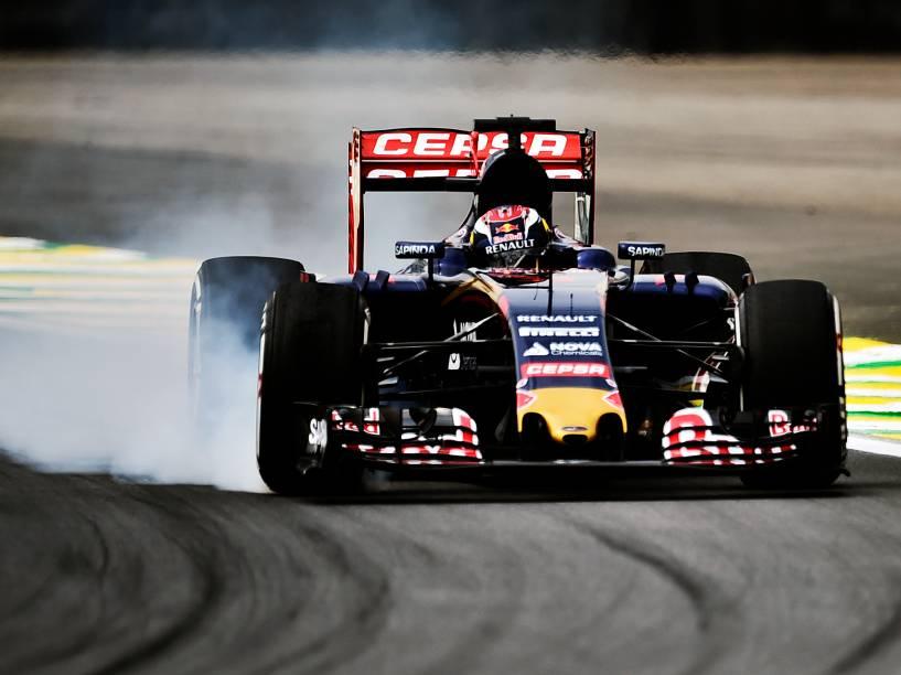 Max Verstappen, da Toro Rosso, durante os treinos livres para o GP do Brasil de F-1 em Interlagos
