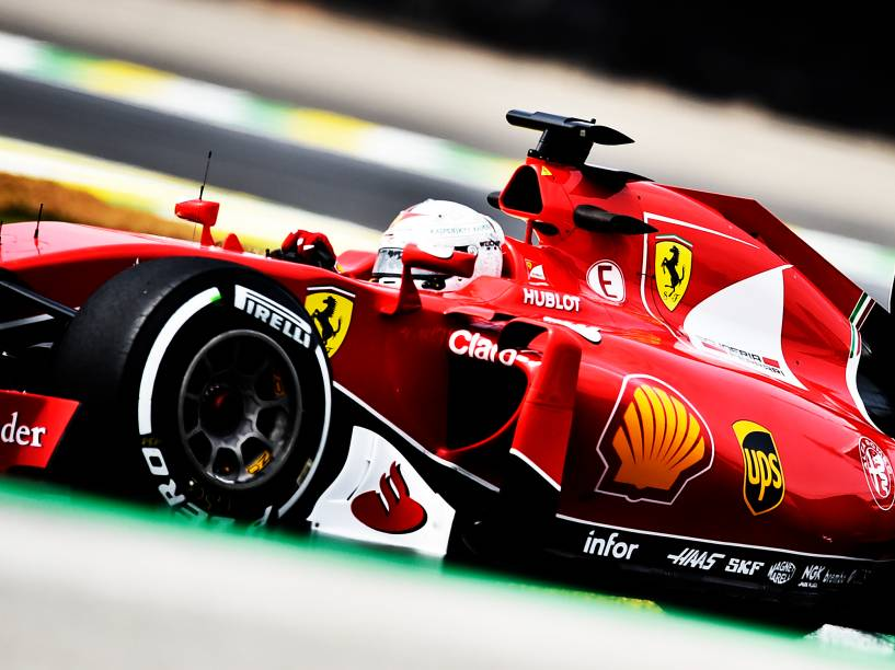 Sebastian Vettel, da Ferrari, durante os treinos livres no autódromo de Interlagos