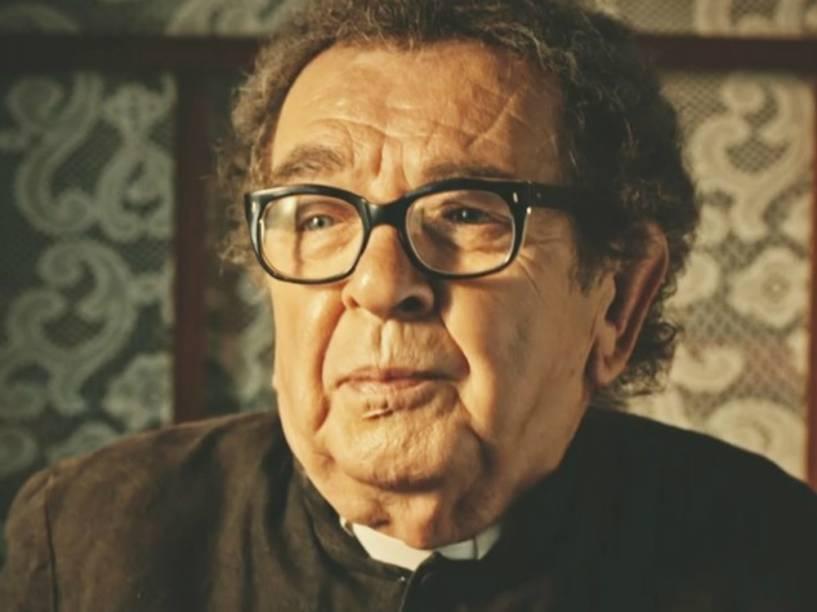 Umberto Magnani vive o padre Romão em Velho Chico