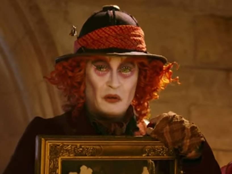 Johnny Depp como o Chapeleiro Maluco, em Alice Através do Espelho