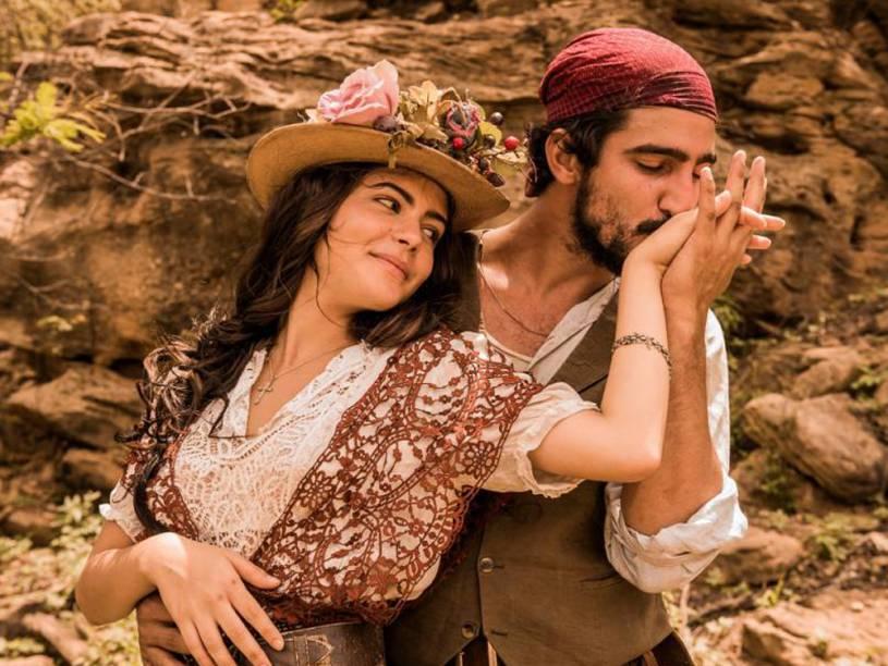 Maria Tereza (Juliana Dalavia) e Santo (Renato Góes) na segunda fase da novela Velho Chico