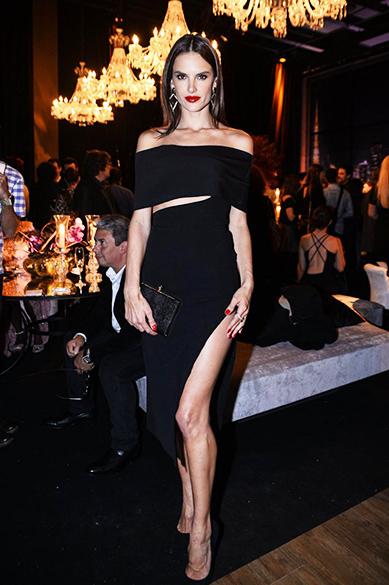 Alessandra Ambrosio, a 64ª mulher mais sexy do mundo em 2015, segundo leitores da VIP