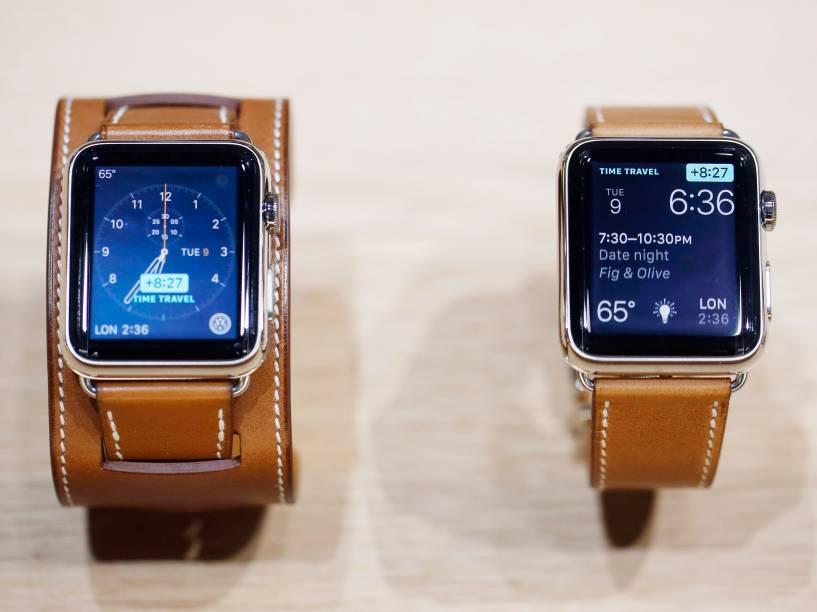 Novos Apple Watches com pulseiras de couro da grife Hermes, em exposição durante evento da Apple em São Francisco, na Califórnia - 09/09/2015