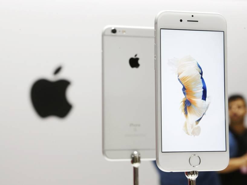 Novo iPhone 6s da Apple em exposição para o público após evento de lançamentos da companhia, em São Francisco, na Califórnia - 09/09/2015