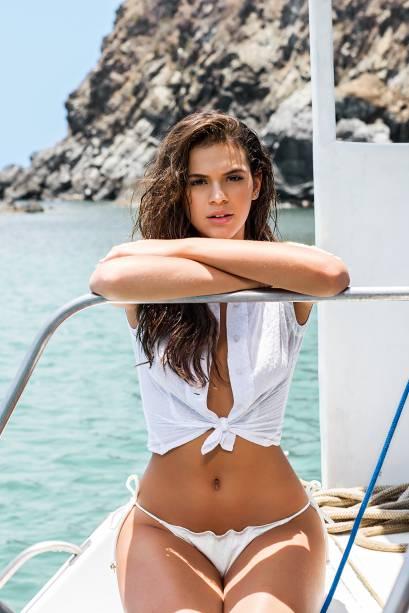 Bruna Marquezine, em foto para a edição de novembro de 2014 da revista VIP, em que figura como a mulher mais sexy do mundo