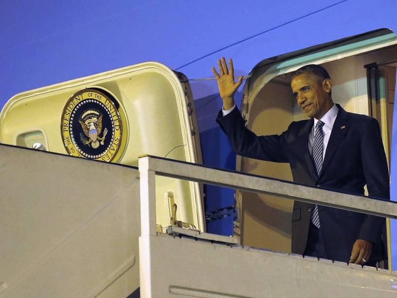 O presidente americano Back Obama desembarcou na madrugada desta quarta-feira (23) no aeroporto de Ezeiza, em Buenos Aires