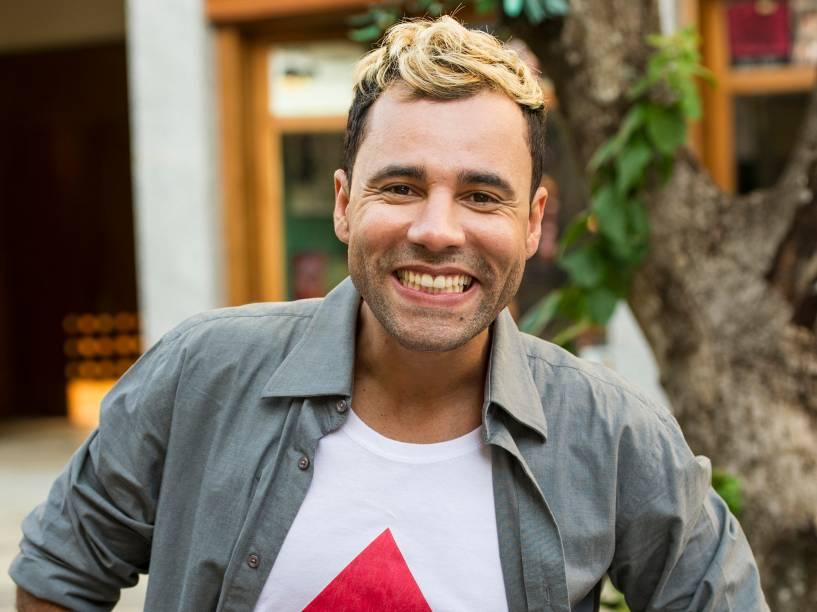 Rodrigo Santánna durante a gravação do musical exibido no programa de estreia