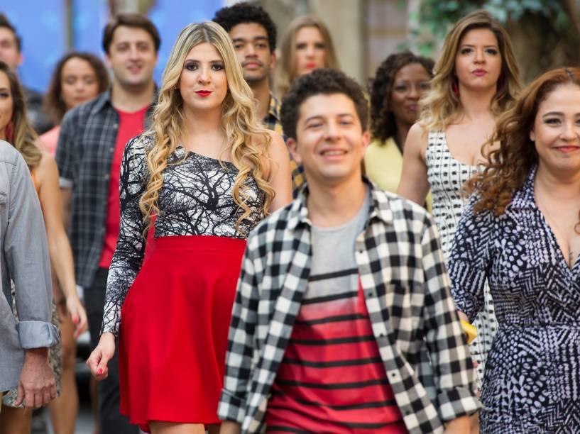 Dani Calabresa se junta ao elenco no musical de estreia do programa
