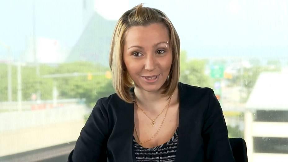 Amanda Berry fala em um vídeo para expressar gratidão ao povo de Cleveland e em todo o mundo que ofereceram apoio a ela