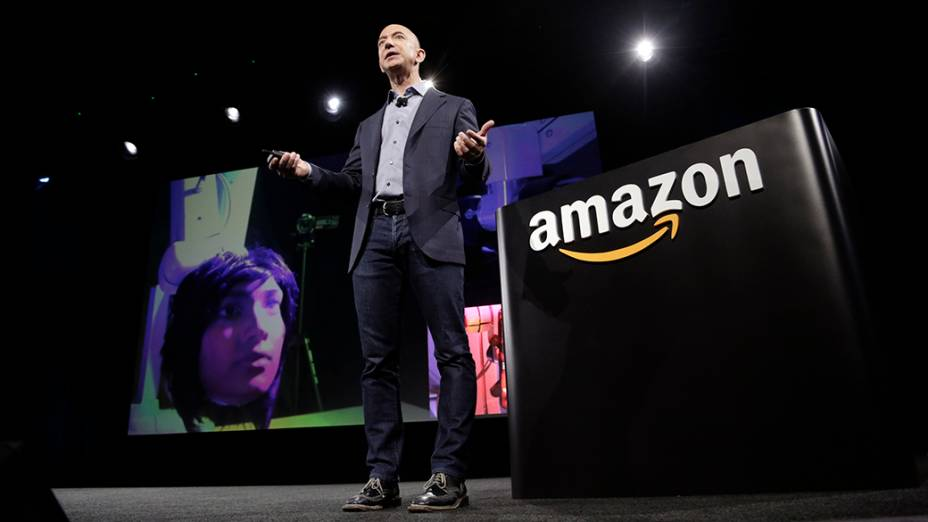 Jeff Bezos, CEO da Amazon, durante evento de lançamento do primeiro smartphone da marca, nos Estados Unidos