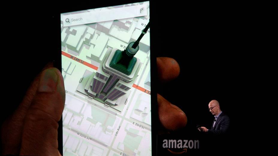 Aparelho permite que usuário veja informações adicionais sobre locais em mapas, se alterar perspectiva