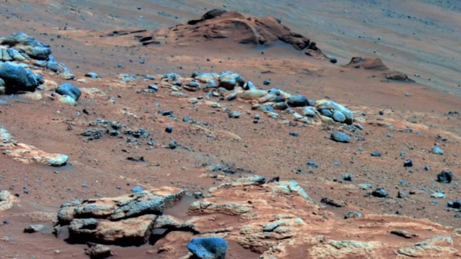 <p>Foto tirada pelo veículo Spirit, irmão gêmeo do Opportunity mostrando indícios de que Marte já foi um ambiente úmido e não ácido, possivelmente favorável à vida.</p>