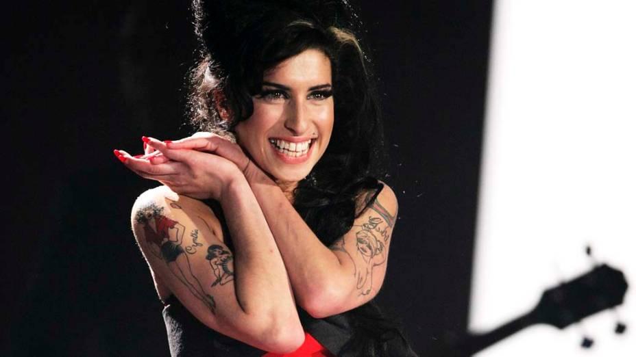 Amy Winehouse durante performance no British Awards, em Londres, 2007