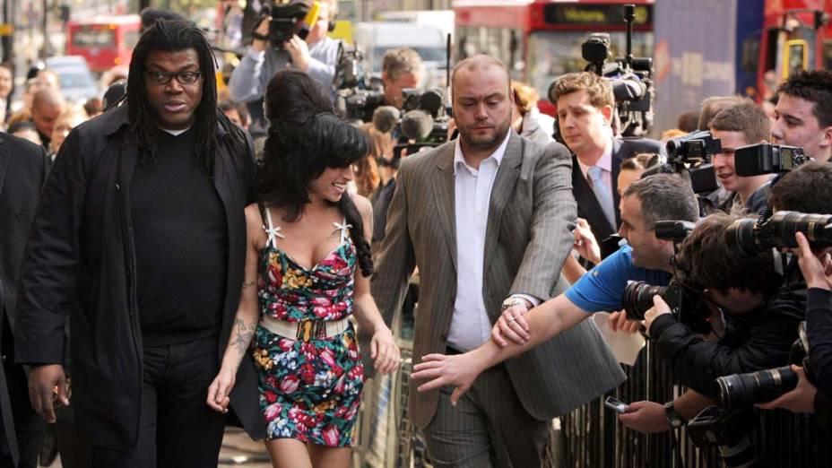 Amy Winehouse deixa a Corte de Westminster, em Londres, 2009