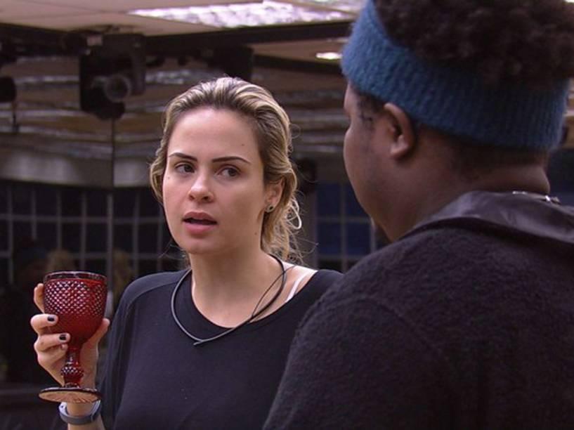 Ana Paula e Ronan discutem sobre cotas raciais e machismo no BBB16