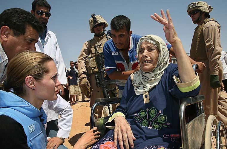 Refugiados no Iraque em campo que abriga mais de 1.200 pessoas.