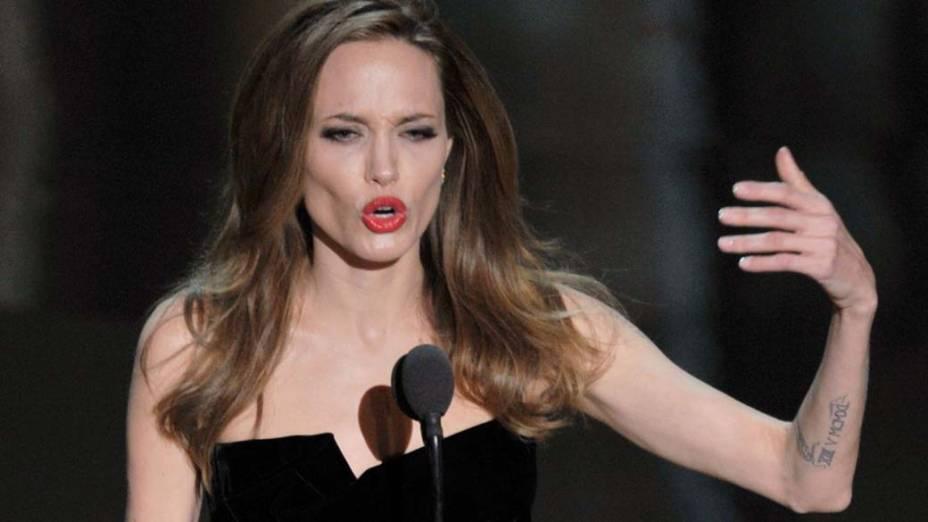 Angelina Jolie durante o Oscar 2012