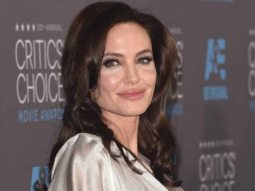 Angelina Jolie no Critics Choice Movie Awards 2015