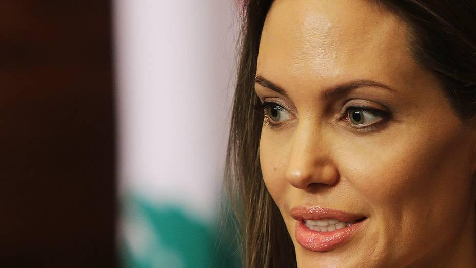 A atriz norte-americana Angelina Jolie concede entrevista em Beirute, no Líbano. Angelia é enviada especial para trabalhar em grandes crises humanitárias e deslocamentos em massa de civis da Agência das Nações Unidas para Refugiados