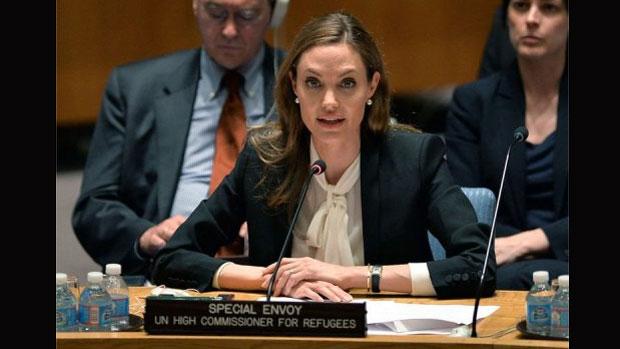 Angelina discursa antes de uma sessão do Conselho de Segurança da ONU