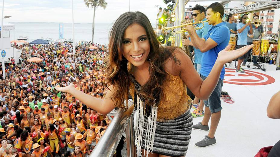 Anitta é convidada de Xanddy para participar do trio do Harmonia do Samba - 15/02/2015