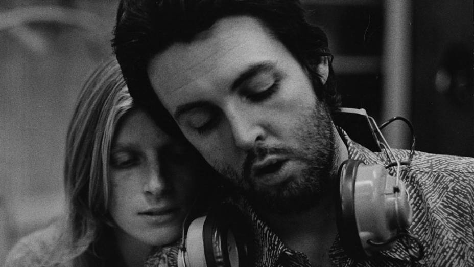 Paul McCartney e sua esposa Linda Eastman em 1971