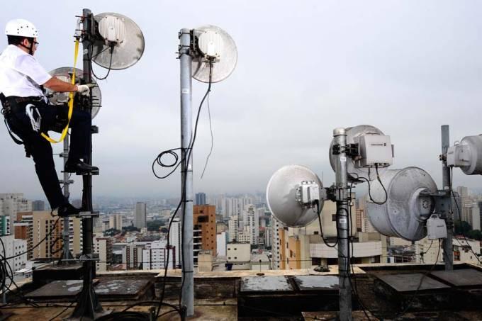 antena-celular-cidade-20111202-04-original.jpeg