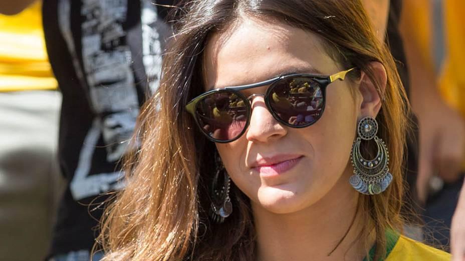 Bruna Marquezine assiste Brasil e Chile no Mineirão