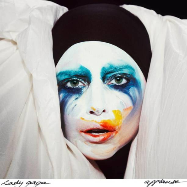 Capa do novo single de Lady Gaga, <em>Applause</em>