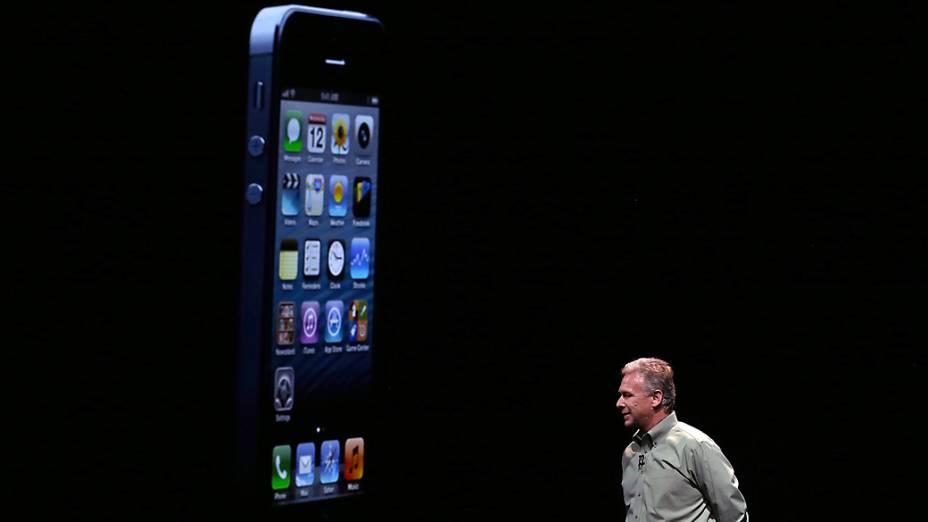 <br><br>  Phill Schiller vice-presidente sênior da Apple durante evento no Yerba Buena Center for Arts, em São Francisco, Califórnia, em que será realizado o anúncio do novo iPhone 5<br><br>