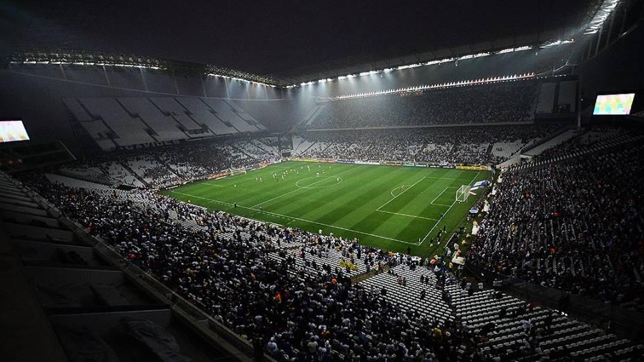 Estreia do Itaquerão com o jogo oficial de Corinthians e Figueirense pelo Campeonato Brasileiro