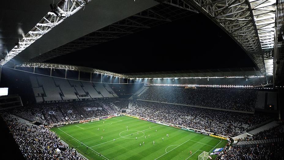 Na estreia do Itaquerão, o Corinthians decepcionaou e perdeu para o Figueirense neste domingo (18)