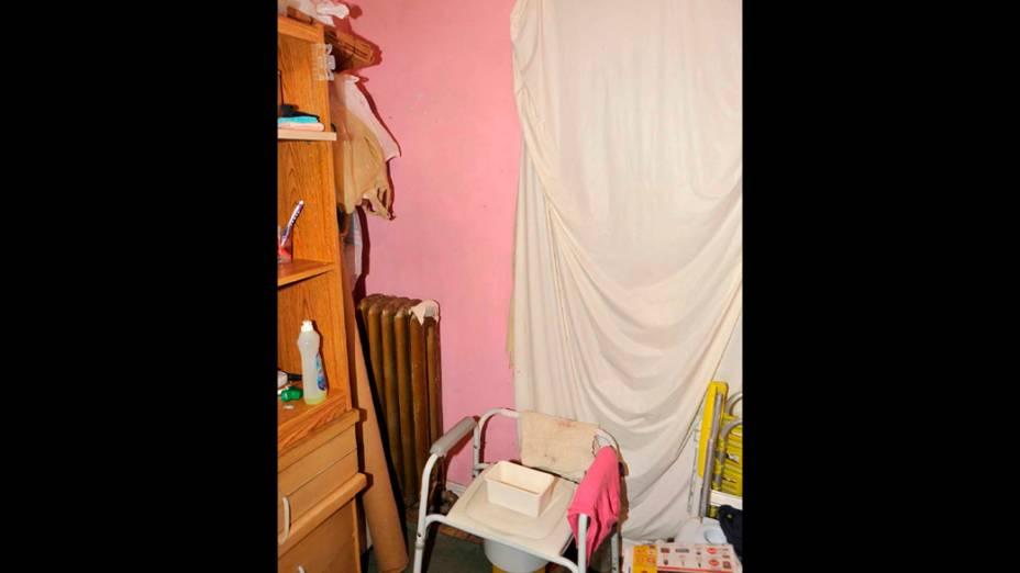 Um dos cômodos da casa de Ariel Castro, que mantinha 3 mulheres presas em um cativeiro