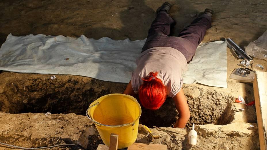 Trabalhos no convento Santa Úrsula, onde foi encontrado um esqueleto