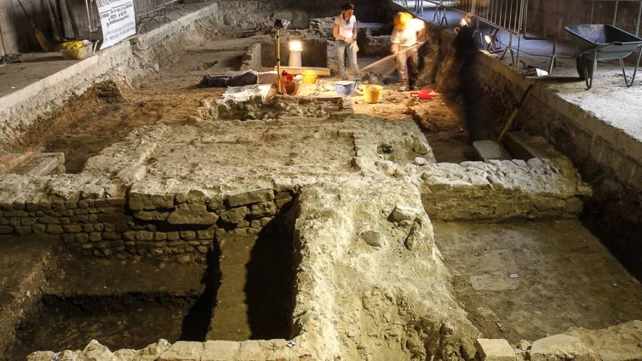 Arqueólogos encontram ossada no convento de Santa Úrsula, em Florença, na Itália