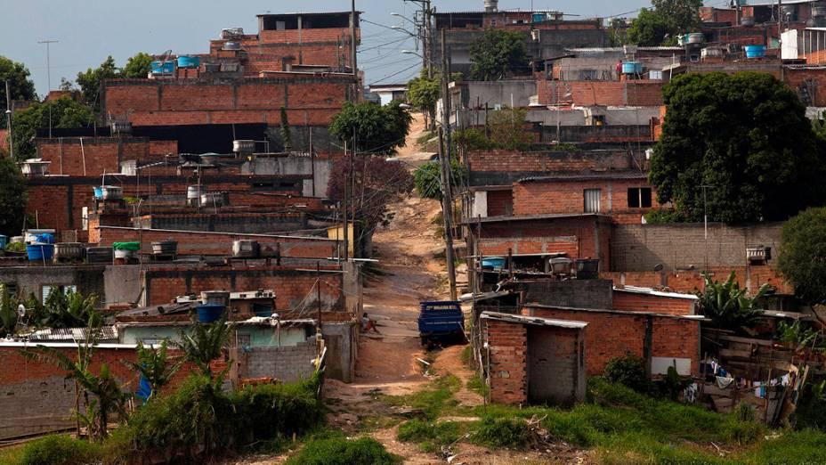 Local onde foi implantado o projeto Cantinho do Céu, antes da reurbanização