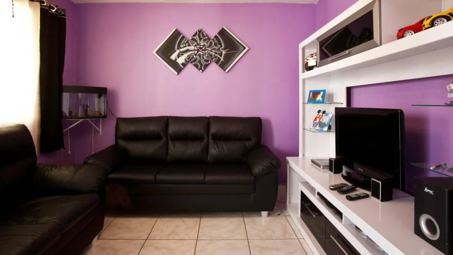 Sala da casa de um morador, depois da mudança para o Conjunto Habitacional Nova Jaguaré