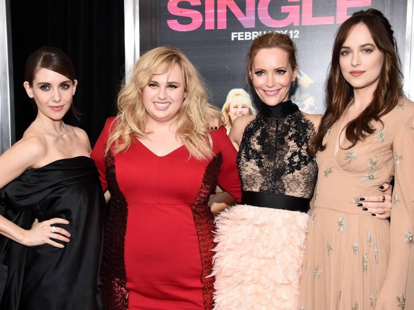 As atrizes Alison Brie, Rebel Wilson, Leslie Mann e Dakota Johnson na premiere do filme Como Ser Solteira, em Nova York, em fevereiro de 2016