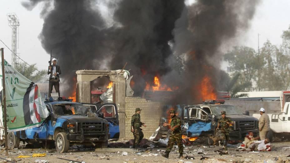 Atentado contra um comício de políticos xiitas iraquianos deixou ao menos 31 mortos em Bagdá