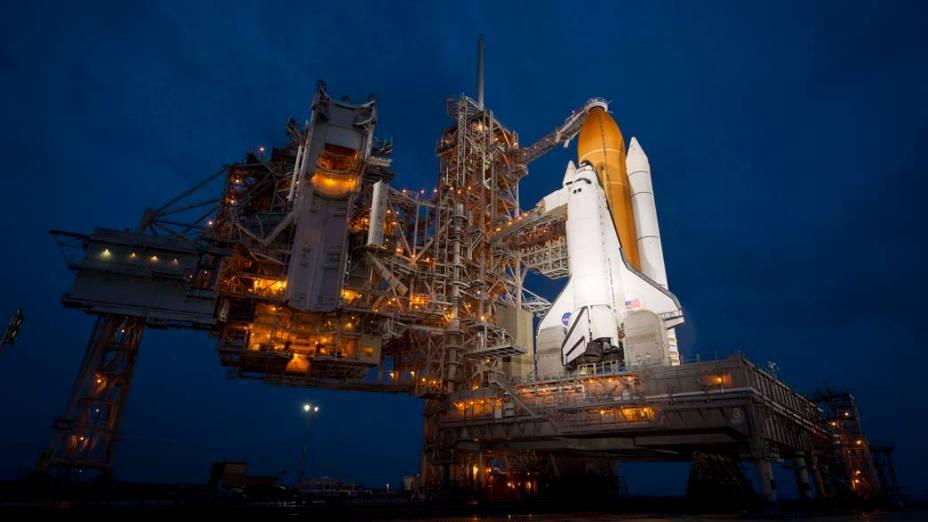 O ônibus espacial Atlantis no Centro Espacial Kennedy em Cabo Canaveral, Flórida