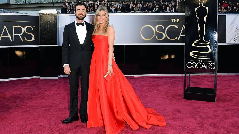 Justin Theroux e Jennifer Aniston em premiação do Oscar 2013
