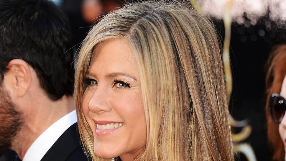 Jennifer Aniston em premiação do Oscar 2013