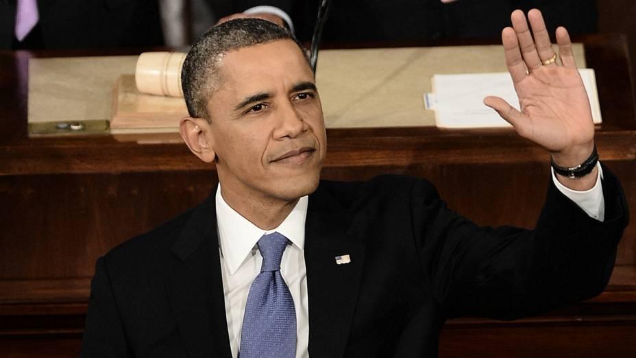 Obama acena antes do início do discurso no Congresso