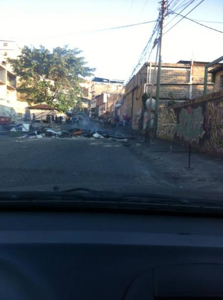 #NoHayPaso em Las Minas de Baruta, periferia de Caracas